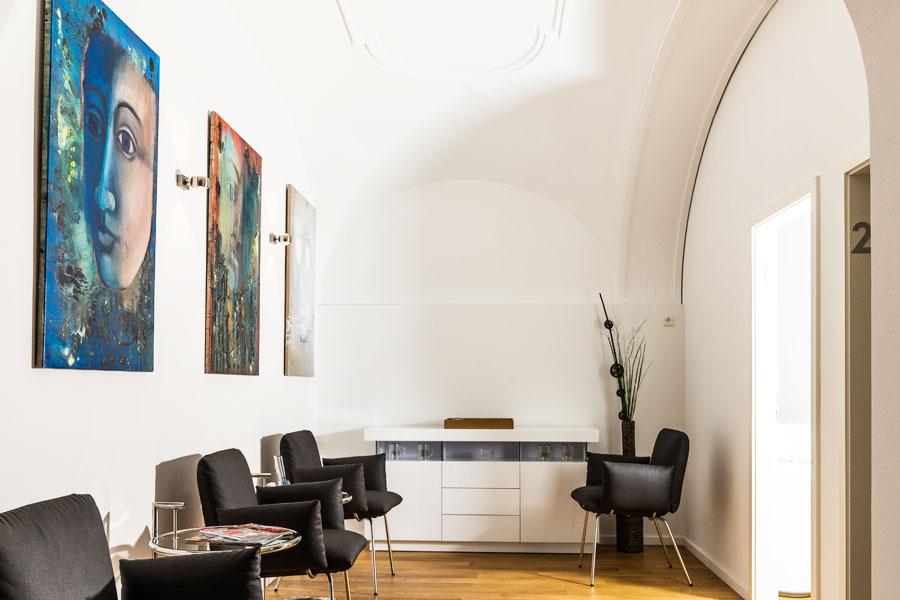 Wartezimmer Konservative Behandlung Orthopädische Praxis Joachim Thiel in München